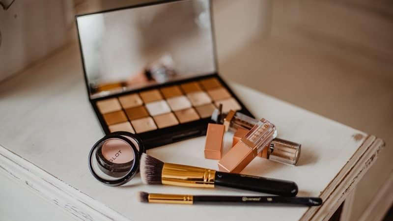 Cara Memilih Kosmetik - Kosmetik Aman
