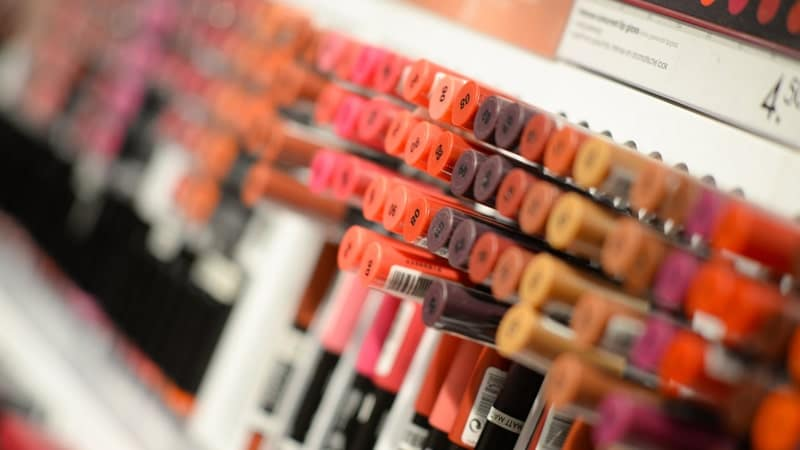 Cara Memilih Kosmetik - Perizinan Kosmetik Aman