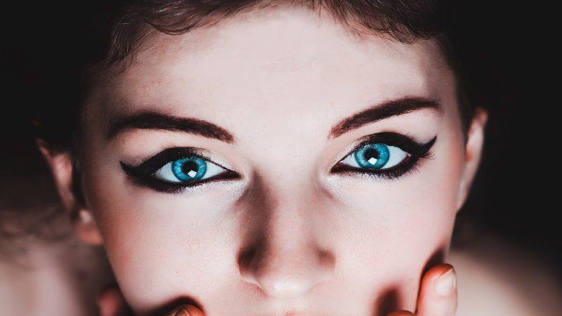 Tutorial Makeup Mata - Makeup Mata