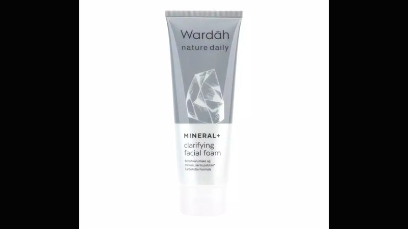 Wardah Nature Daily Mineral + Clarifying Facial Foam