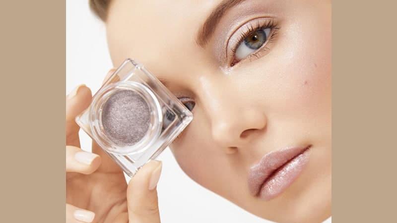 Produk Kecantikan dan Perawatan Wajah Shiseido - Highlighter