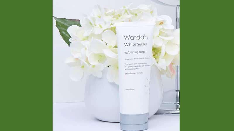 Produk Scrub Wajah Wardah - White Secret Exfoliating Scrub