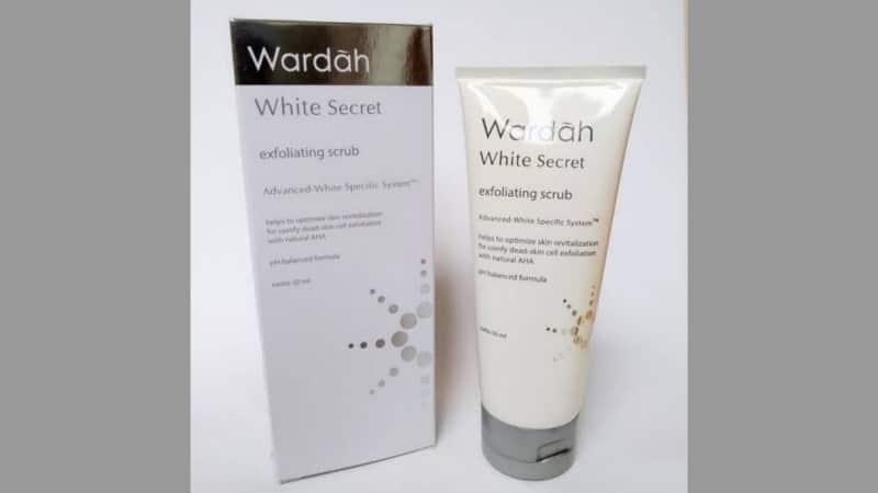White Secret Exfoliating Scrub