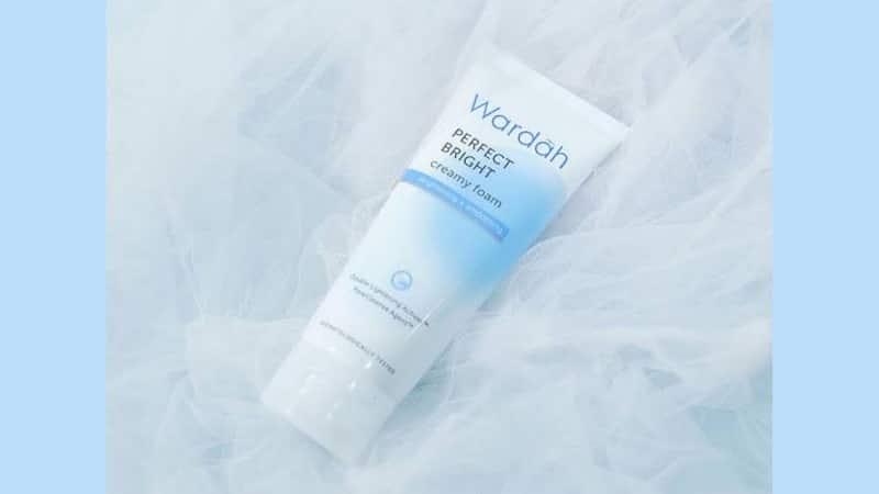 Produk Wardah untuk Menghilangkan Bekas Jerawat - Perfect Bright Creamy Foam Brightening + Smoothing
