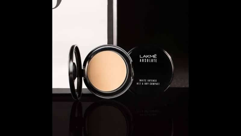 Lakmé Absolute Reinvent White Intense Wet & Dry Compact